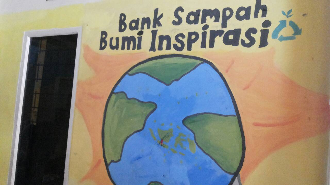"""Bank Sampah """"Bumi Inspirasi"""" Bandung"""