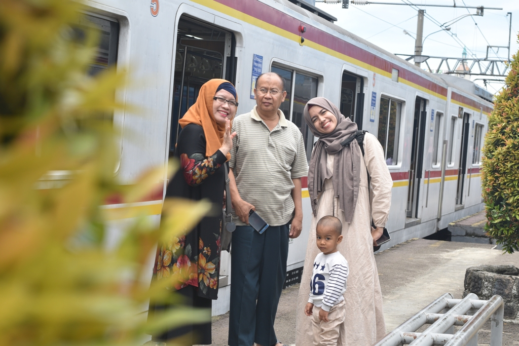 Short Gateway to Bogor Botanical Garden with Commuterline