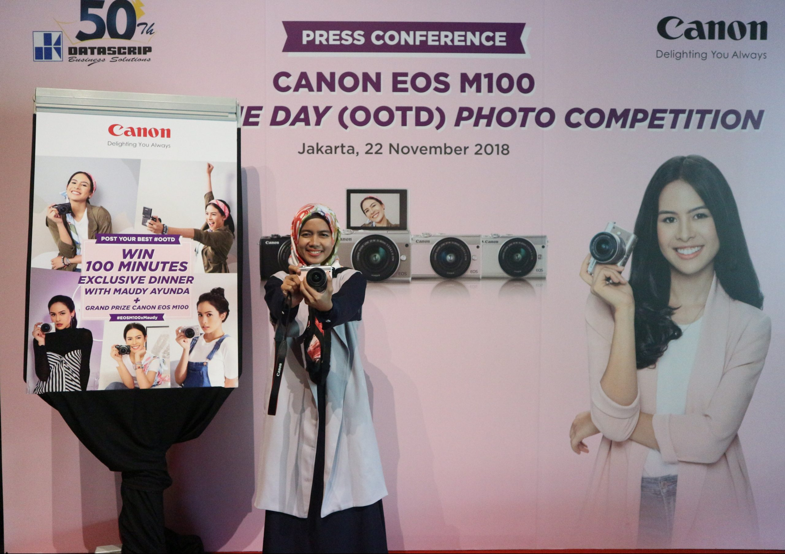 Canon EOS M100 OOTD Photo Competition